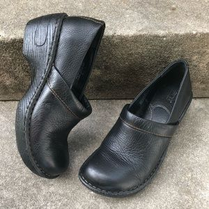 Born Black Pebble Leather Clogs Size 7